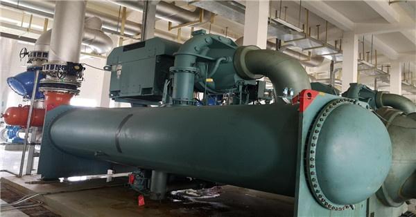 螺杆式冷水机组与离心式冷水机